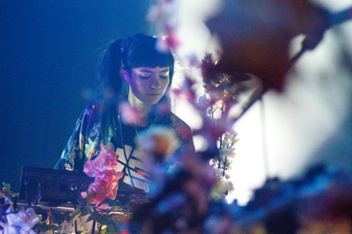 Grimes' Top 10 LPs of 2012 — includes Taylor Swift, Justin Bieber