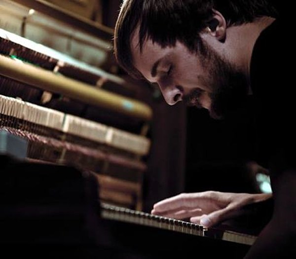 Nils Frahm made a new video, touring in March (dates)