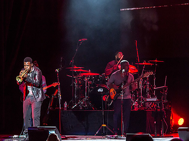 Maxwell at Ford Amphitheater at Coney Island Boardwalk