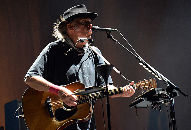 Neil Young and The Promise of the Real at Desert Trip 2016 Weekend 2