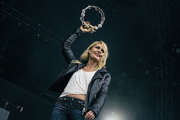 Metric at The Meadows 2016 - Sunday