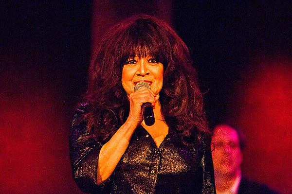 Ronnie Spector played two holiday shows at City Winery ...