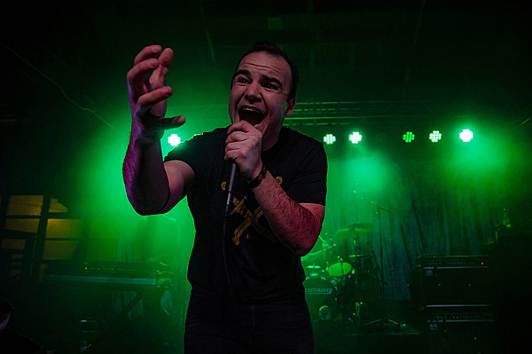 Future islands played 7 new songs at house of vans chicago for Chicago house music songs