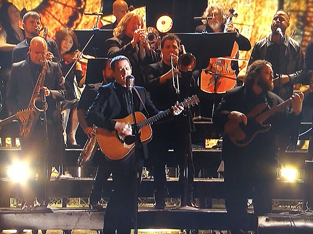 Sturgill simpson performed with the dap kings horns in Sturgill simpson grammy performance