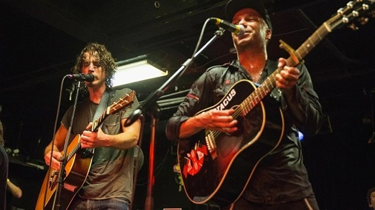 "watch Audioslave members play ""Like A Stone,"" Eddie Vedder cover"