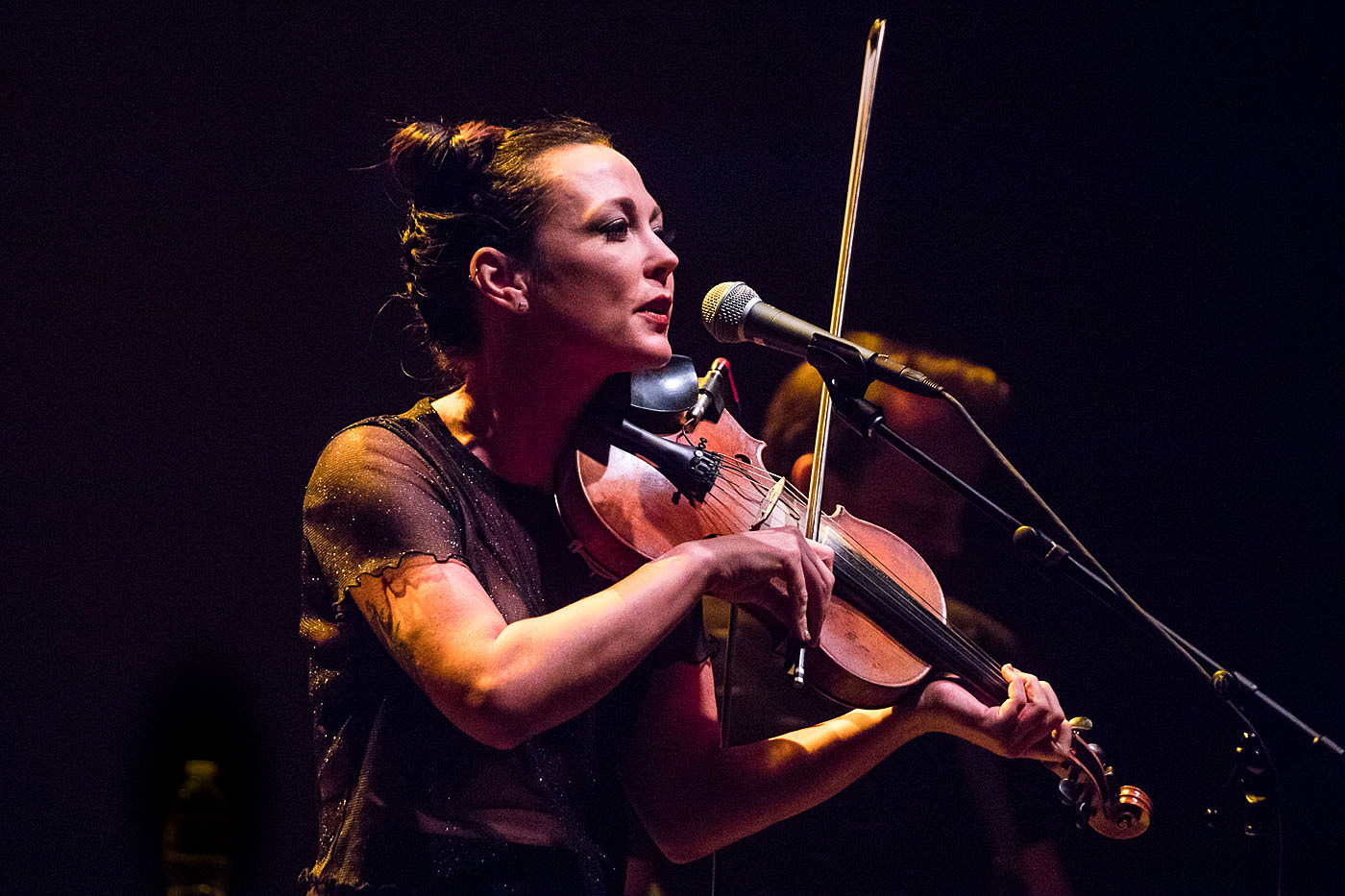 amanda shires touring with l a edwards in 2020. Black Bedroom Furniture Sets. Home Design Ideas