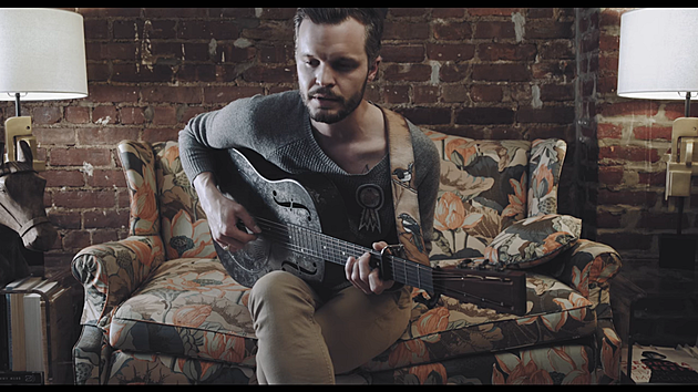 """Tallest Man on Earth debuts new song """"In Little Fires"""" in new video ..."""