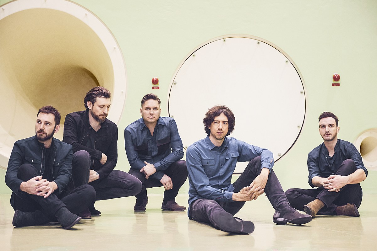 "Snow Patrol share ""Don't Give In"" off new LP, announce NYC LA shows"