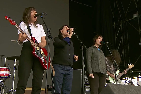 The Breeders joined Courtney Barnett on stage at Biggest Weekend (watch)