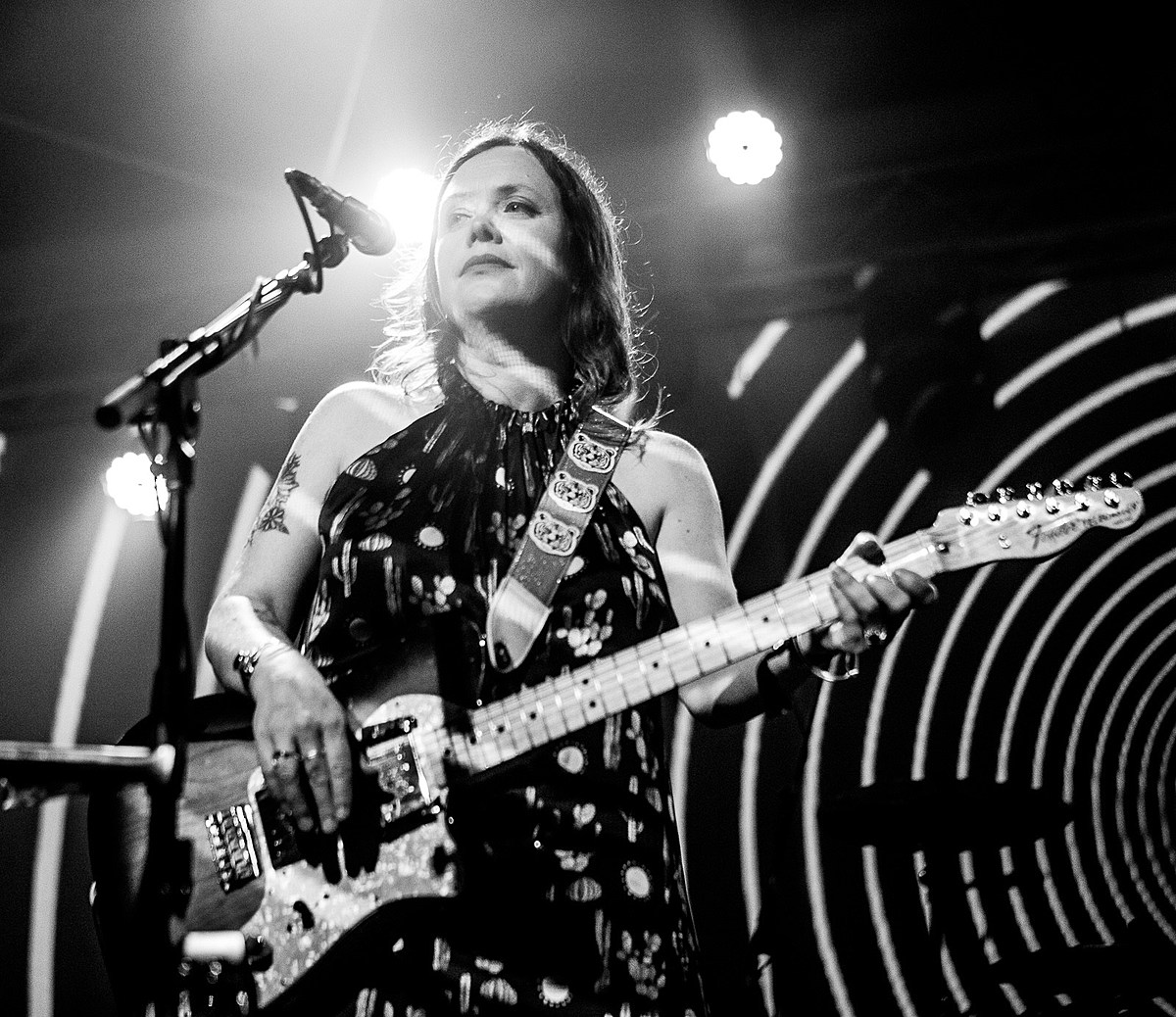 Slowdive's Rachel Goswell organized charity auction ft. items from MBV, The Cure, more