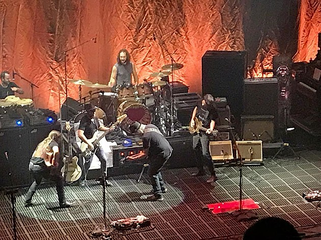 Neil Young focused on the classics (and a new song) at Capitol Theatre (videos, setlist)