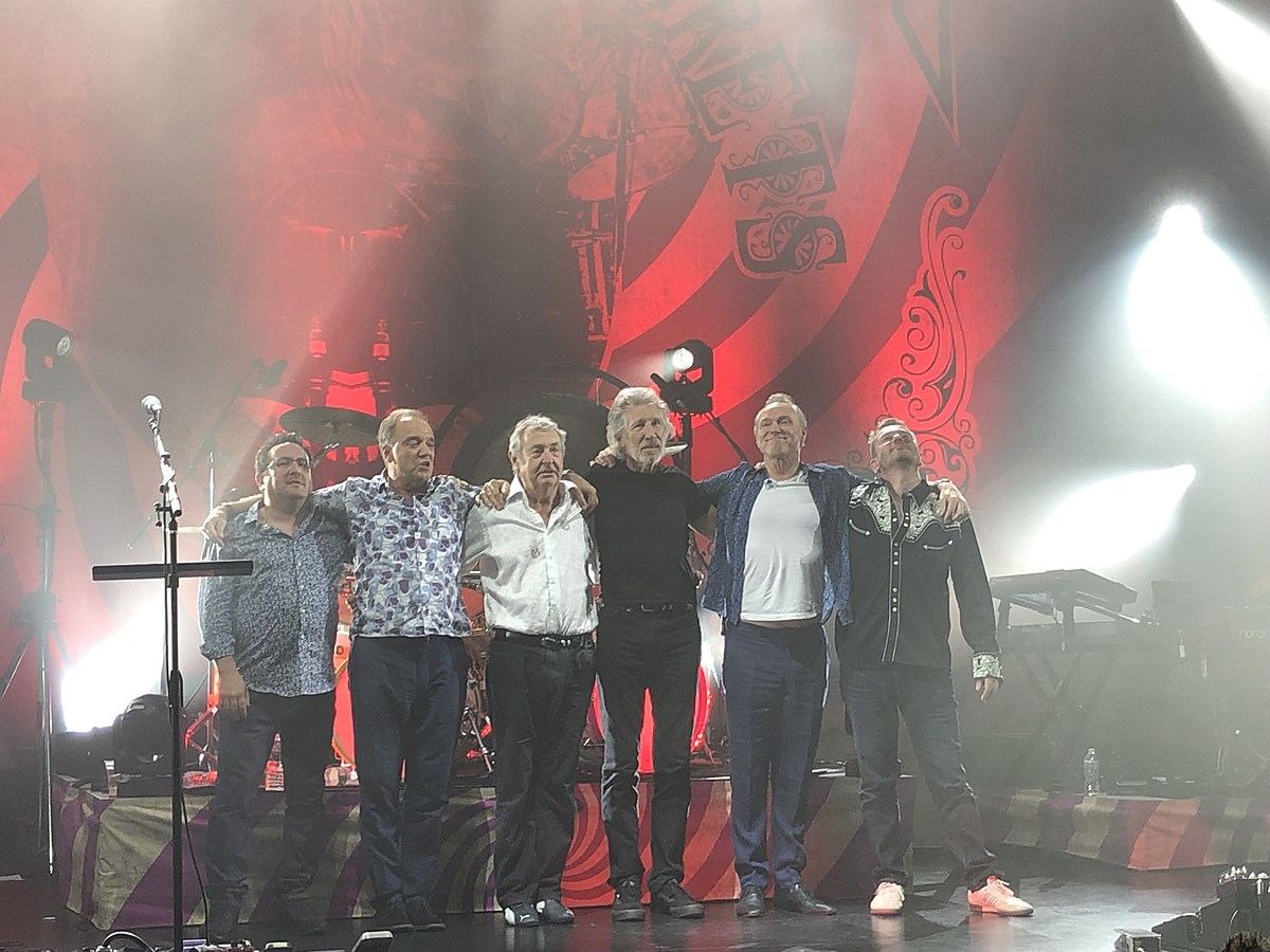 Roger Waters joined Nick Mason to play Pink Floyd at Beacon Theatre (watch)