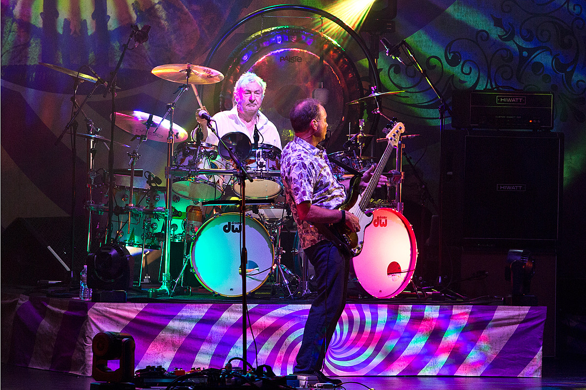 Nick Mason unleashed a saucerful of Pink Floyd oldies at the Beacon (pics, review)