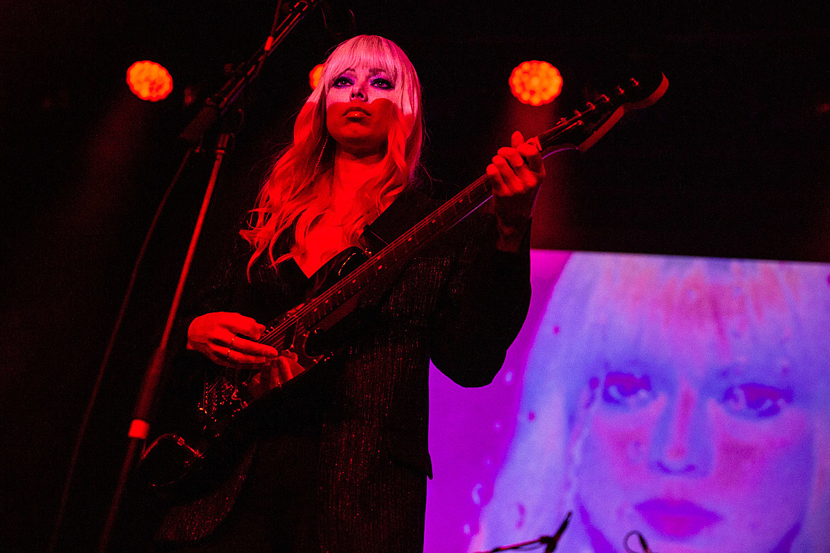 Chromatics played Brooklyn Steel w/ Desire, In Mirrors Tess Roby (pics, video)