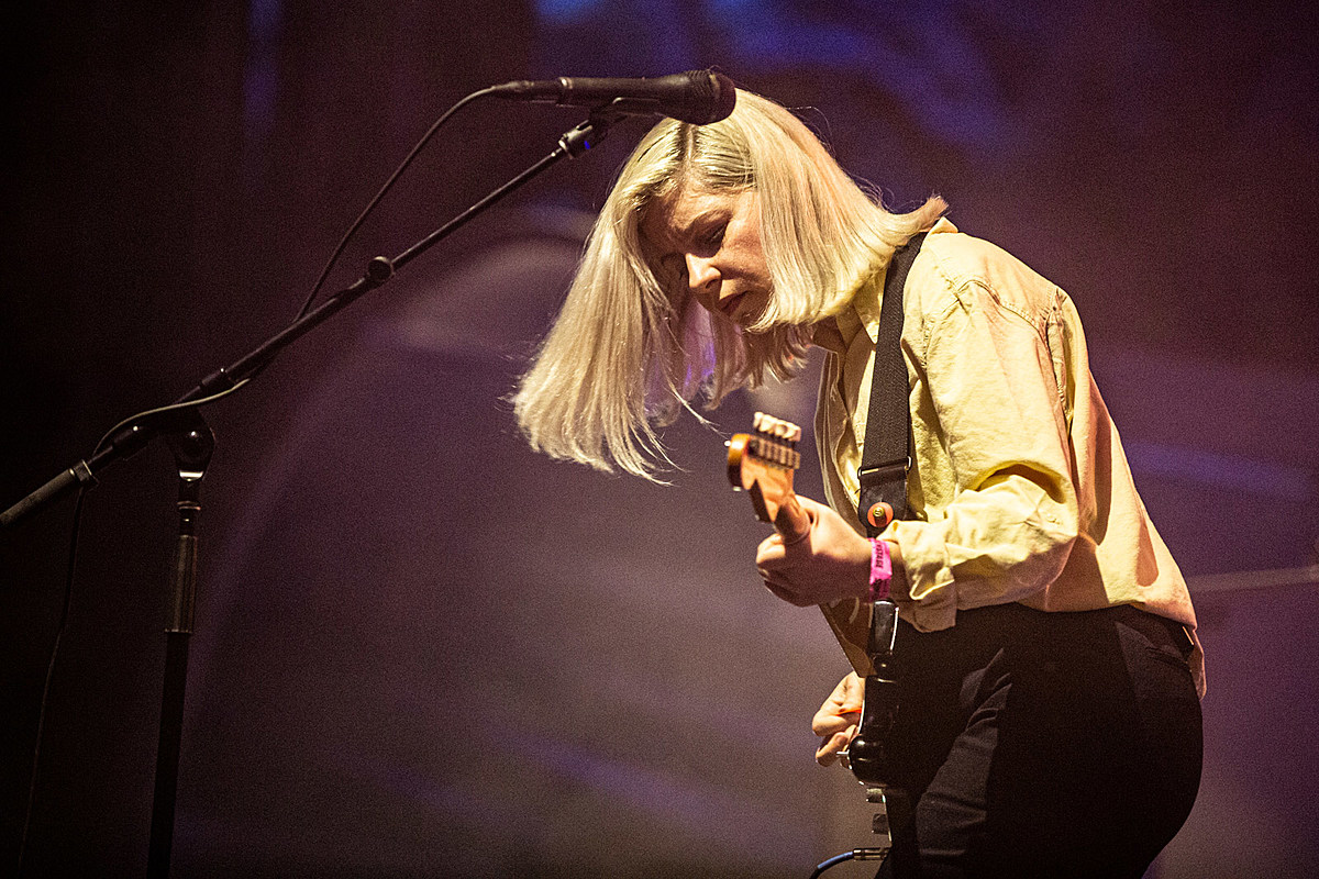 Alvvays celebrated Canada Day early, covered The Breeders in Central Park (pics, setlist, video)