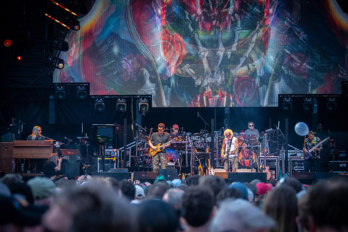 Today's self-isolation livestreams (Dead & Company, First Aid Kit, Blanck Mass, more)