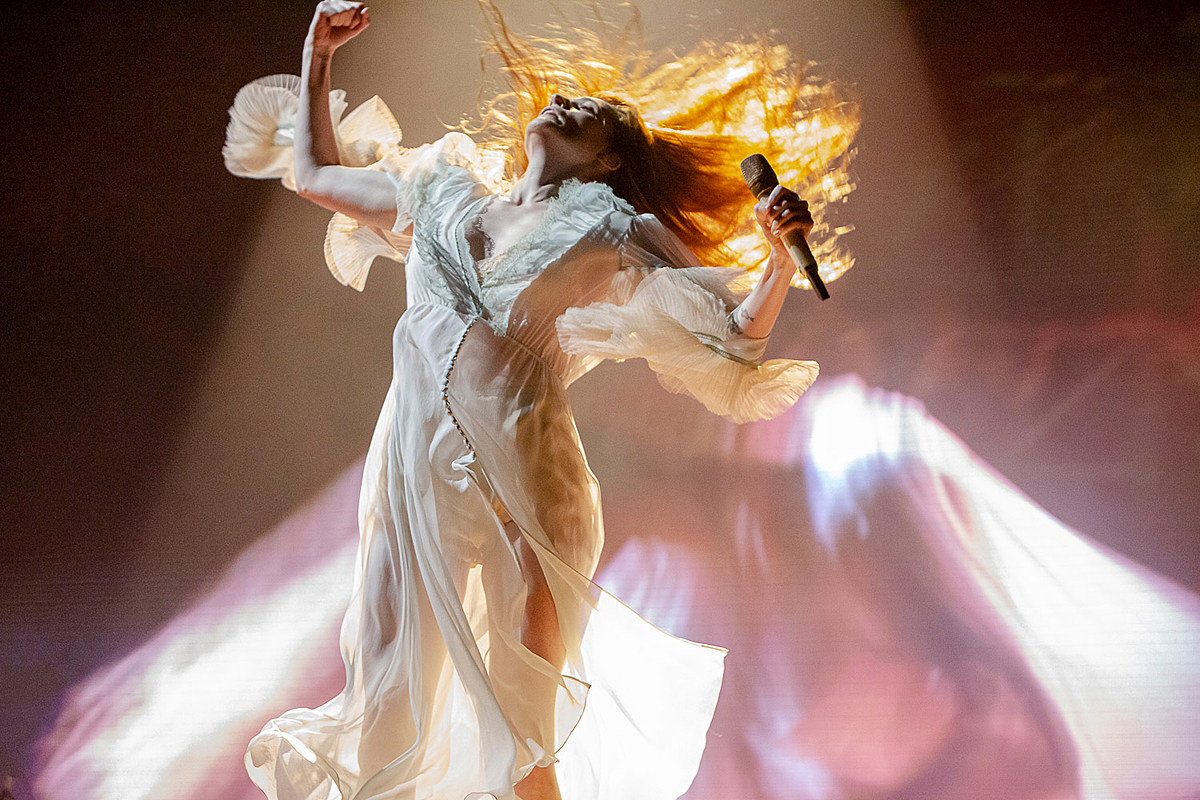 Governors Ball 2019 Saturday pics video (Florence + The Machine, The 1975, more)