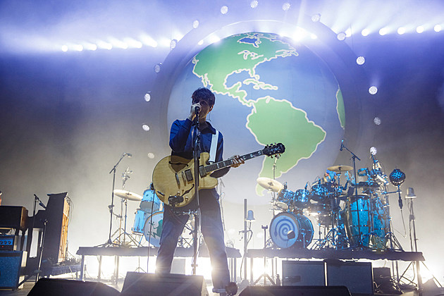 Vampire Weekend livestreaming MSG show, covered Springsteen