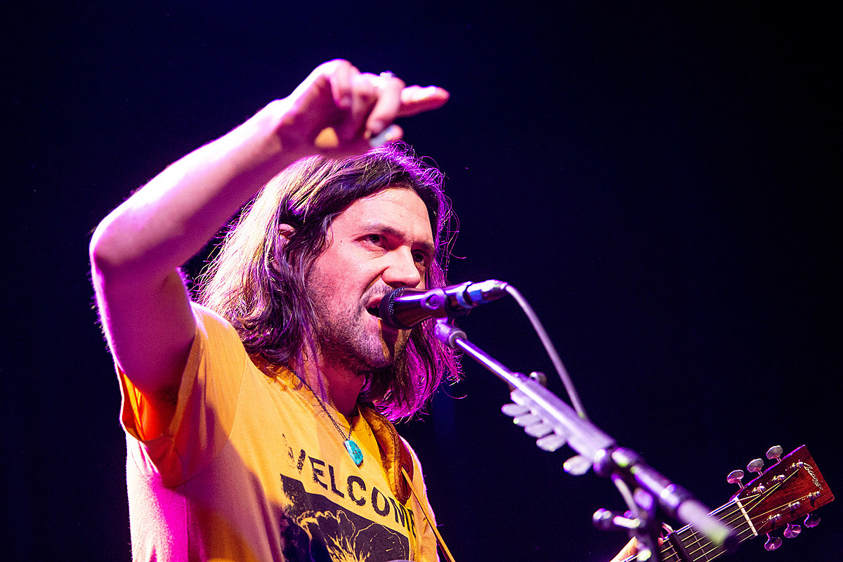 Conor Oberst played rare Bright Eyes songs more at White Eagle Hall (pics, video, setlist)