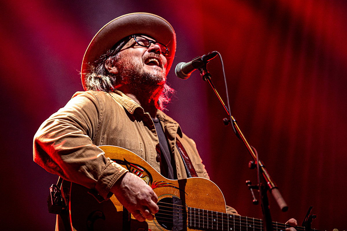 Wilco livestreaming Sunday's Brooklyn Steel show