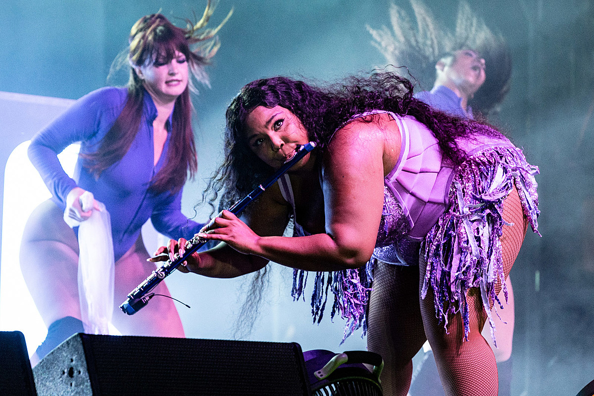 Lizzo more played the 2019 Bustle Rule Breakers Festival (pics)