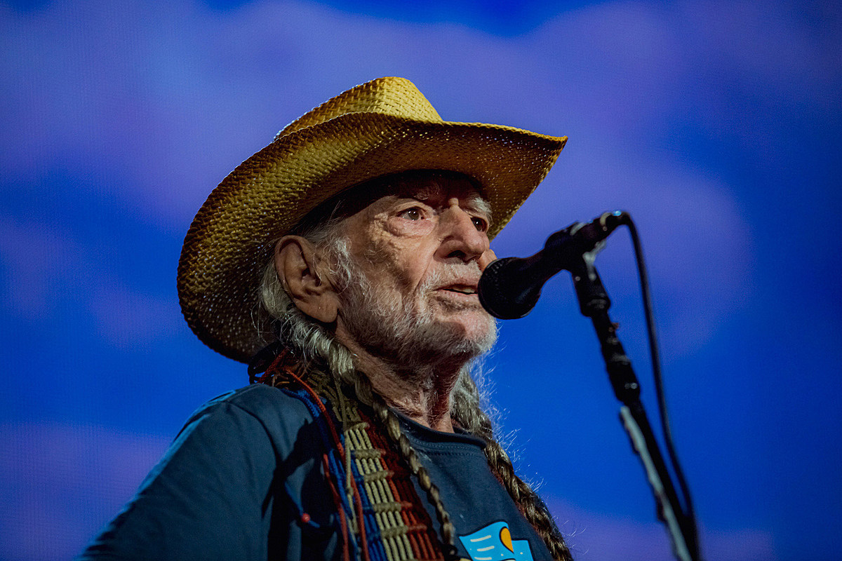 Farm Aid 2019: Willie Nelson, Neil Young, Margo Price, Tanya Tucker more (pics, video)