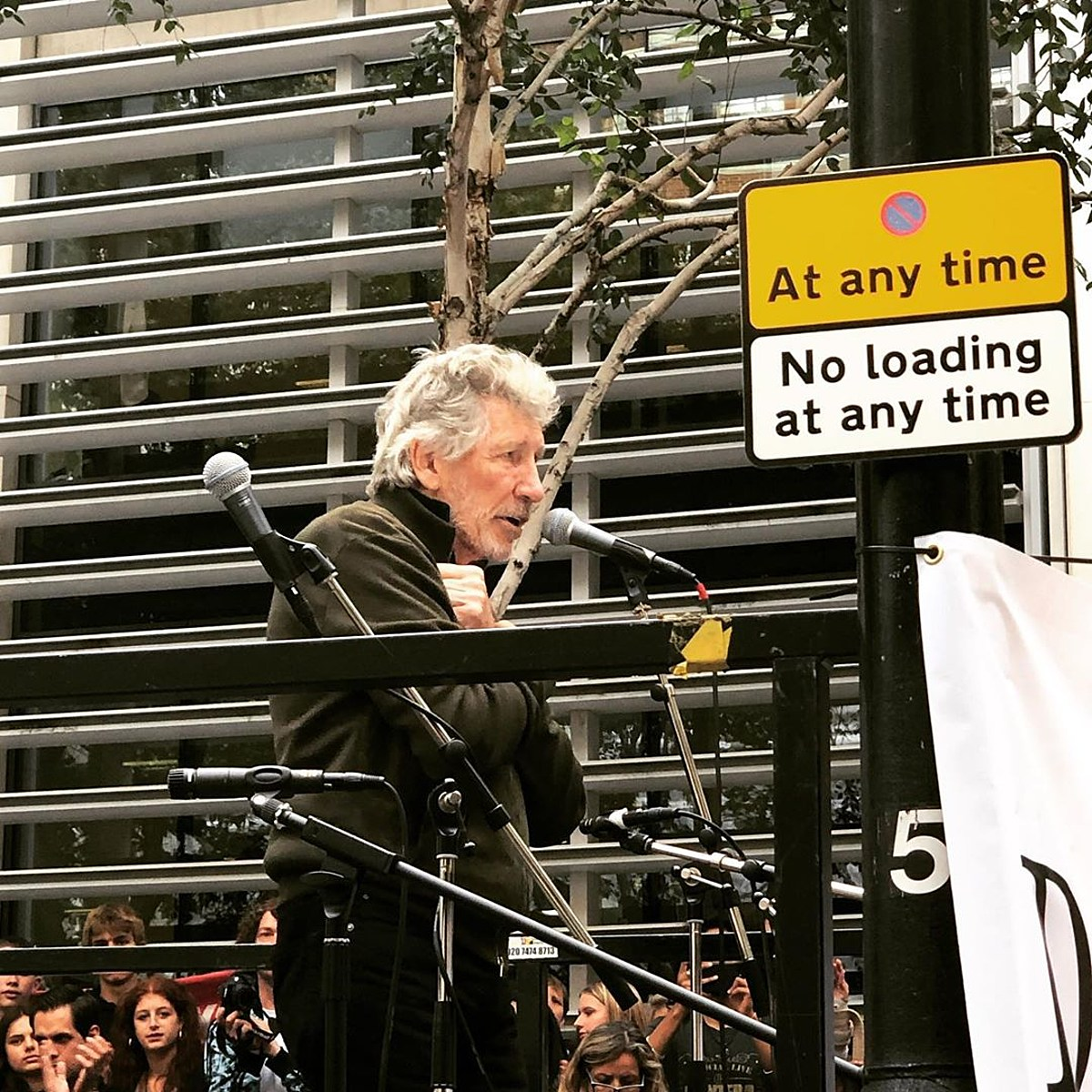 "Roger Waters played ""Wish You Were Here"" at Julian Assange rally (watch)"