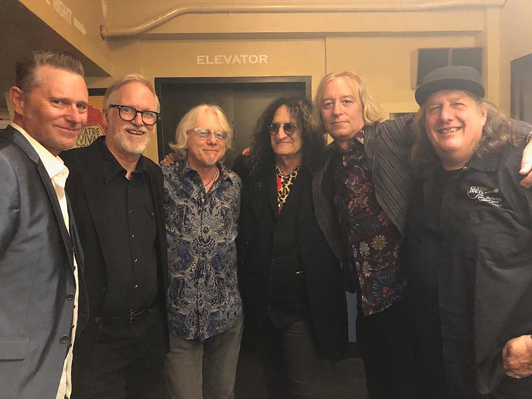 """Tim Neilsen, Tom Gray, Mike Mills, Rick Richards, Peter Buck and Kevin Kinney backstage at """"Revival"""" show (photo via @lordmillsey)"""