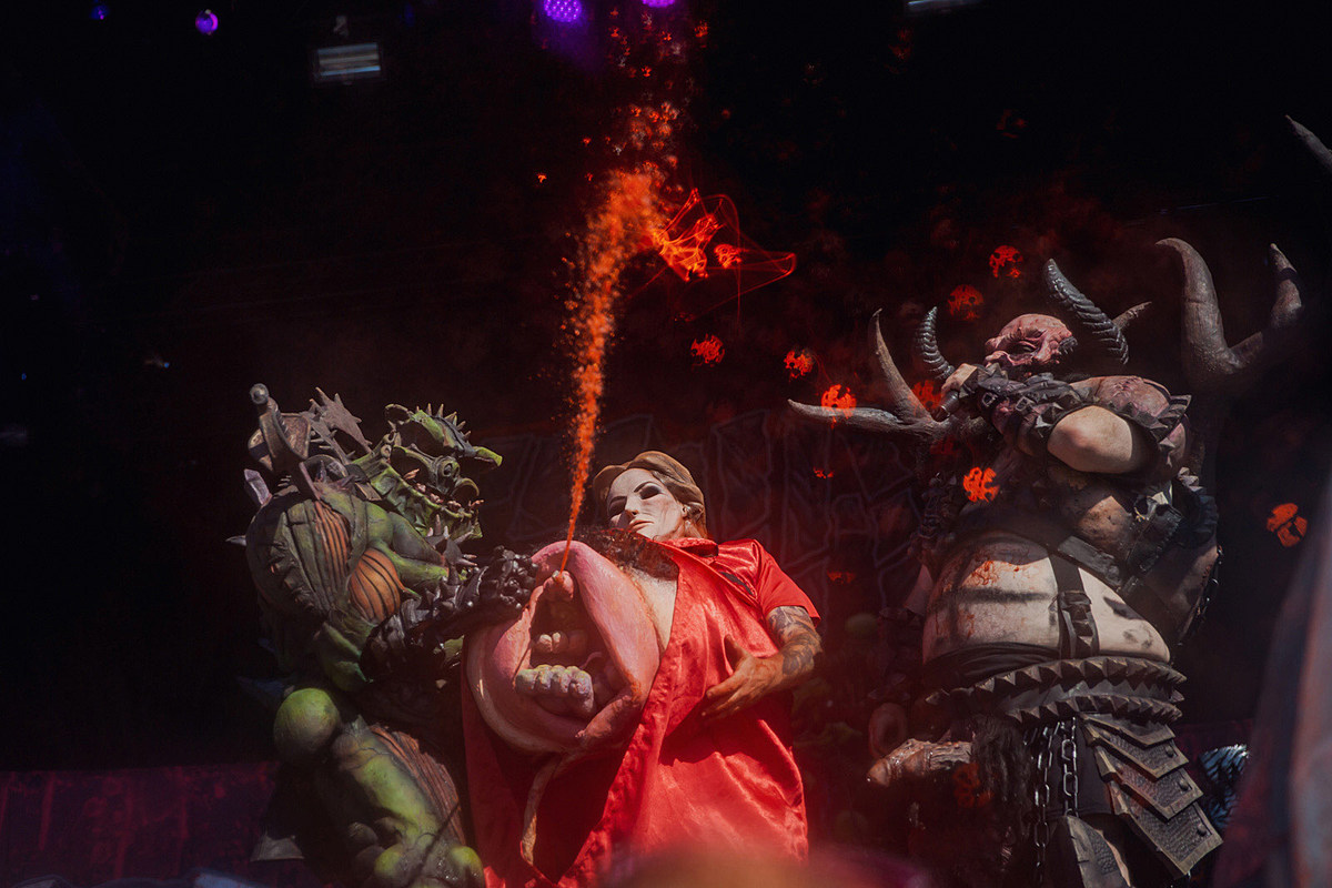 Riot Fest Saturday pics review: Anthrax, GWAR, Wu-Tang, Bloc Party, AVAIL, more