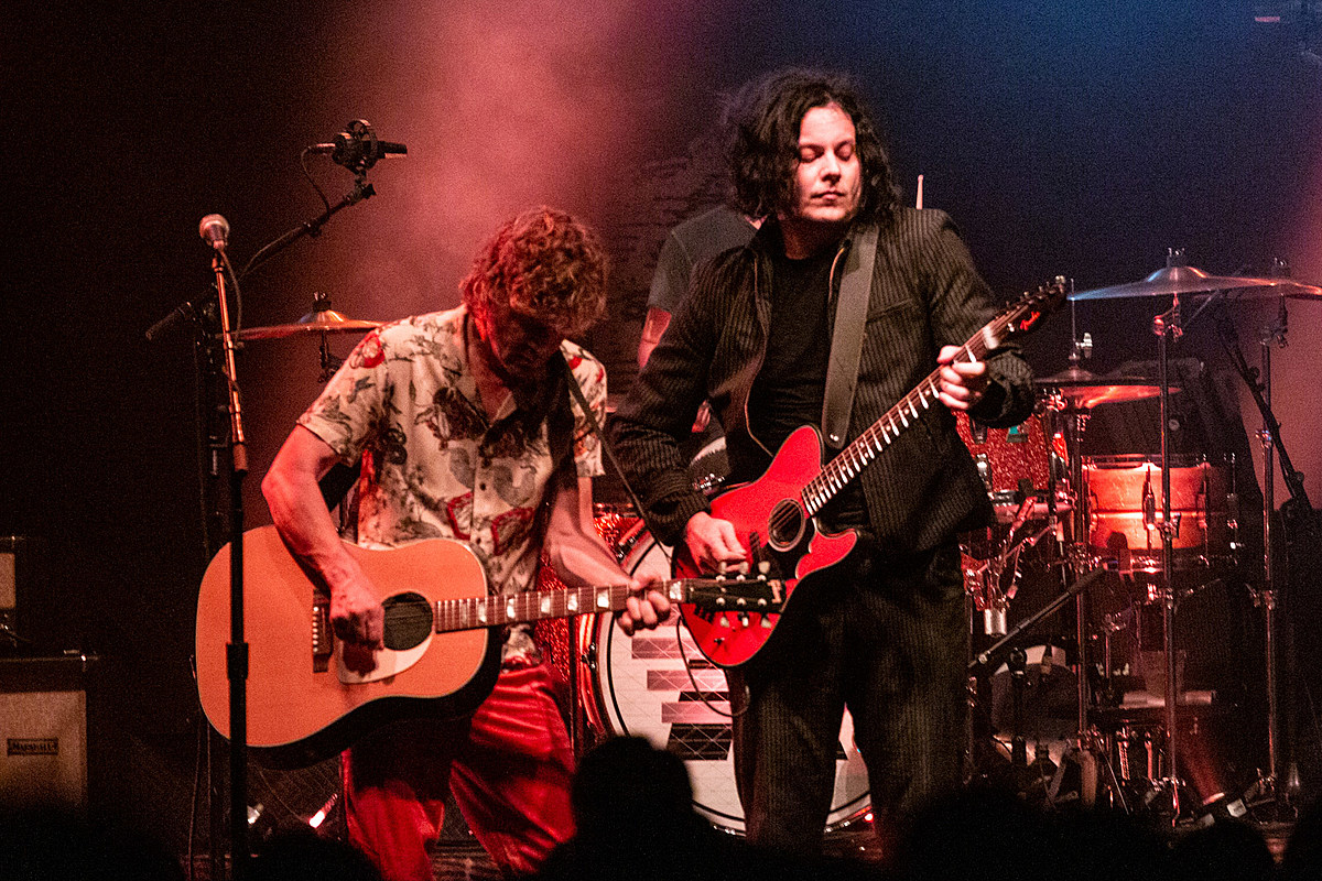 The Raconteurs played 3 NYC shows 'Fallon' (pics, setlists, videos)