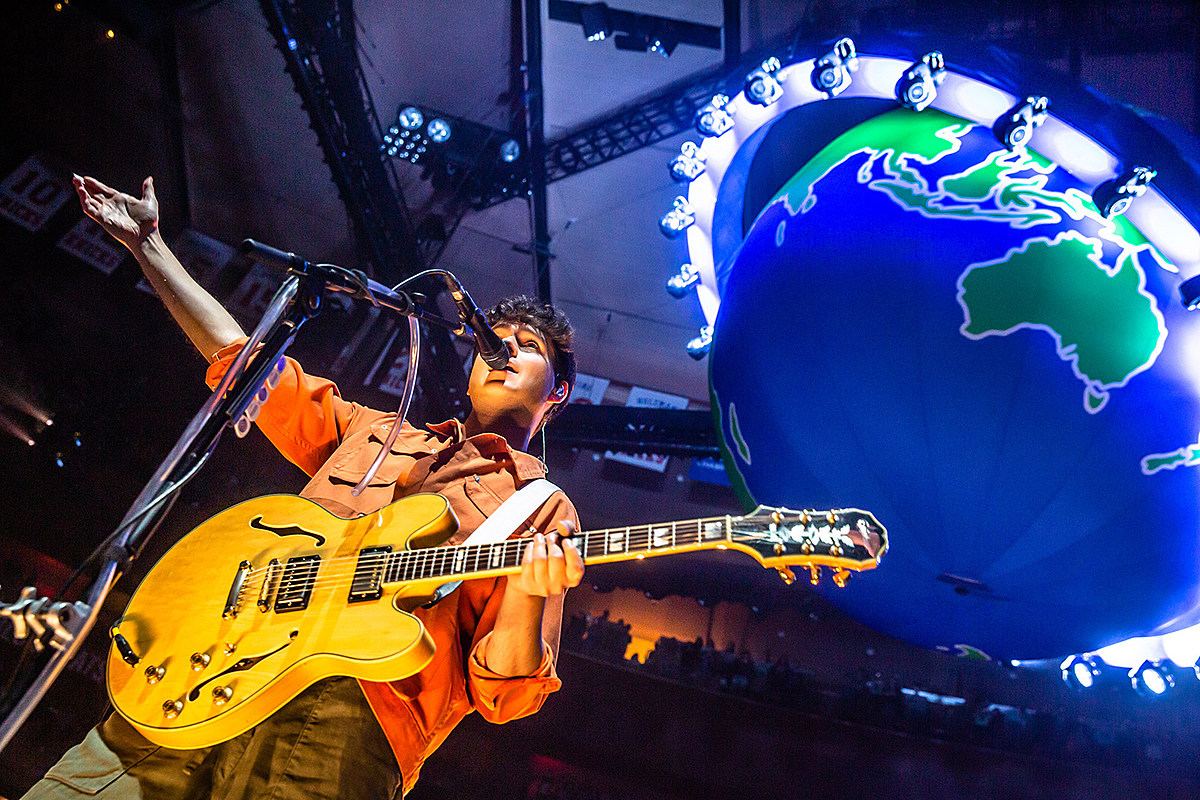 Vampire Weekend played MSG with Steve Lacy, announce 2020 tour (pics, videos, setlist, dates)