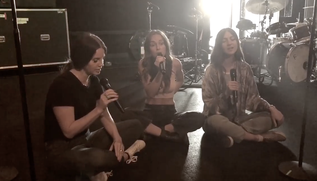 Lana Del Rey, Weyes Blood Zella Day share Joni Mitchell cover rehearsal video