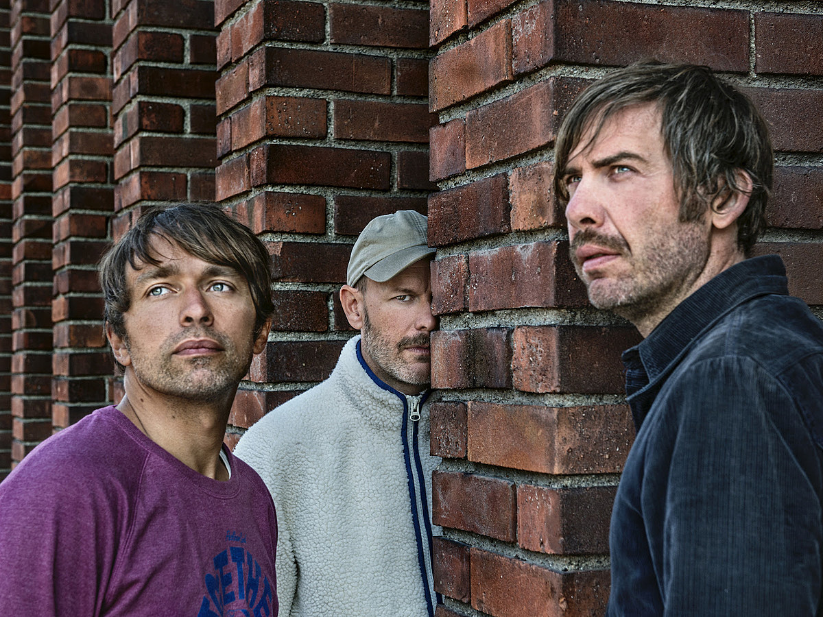 "Peter Bjorn and John announce new LP 2020 tour (listen to ""Rusty Nail"")"