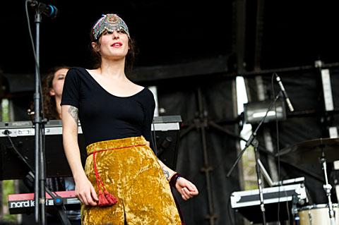 Austra -  FunFunFun Fest 6 - Austin - 11/06/2011