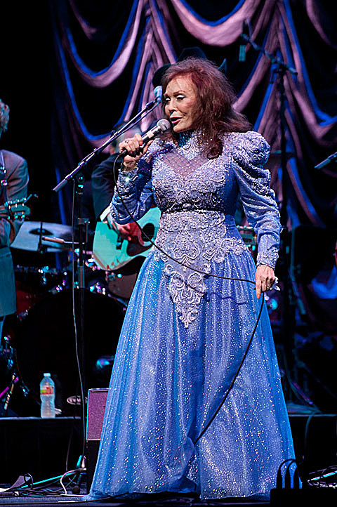 loretta lynn played the moody theater with jim lauderdale  pics  u0026 more dates