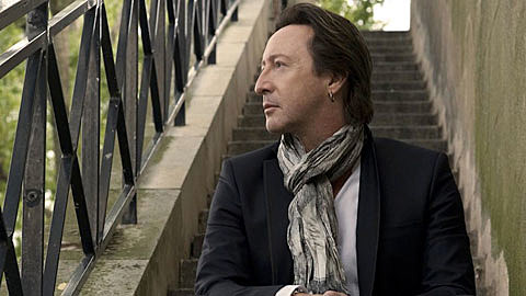 An Interview With Julian Lennon On His Beatles Anniversary Photo Exhibit The Grammys Charity Dad More