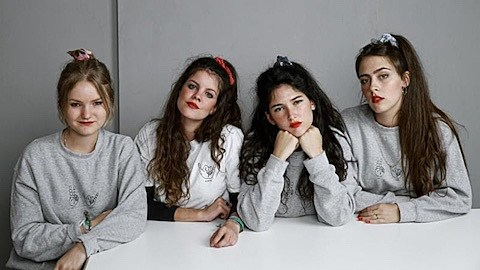 Spanish Band Hinds Talk Debut Lp The Madrid Scene Opening For
