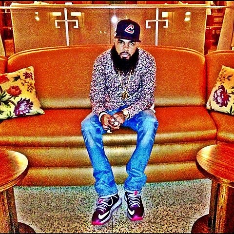 01436ad2177661 Stalley playing educational fundraiser book drive in NYC