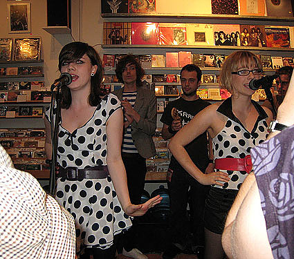 Pipettes @ Other Music