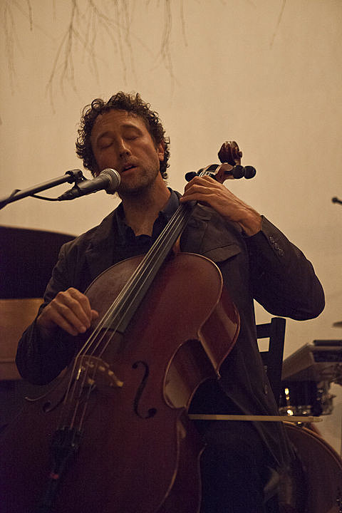 Brent Arnold (cellist) with Alexandra Duvekot