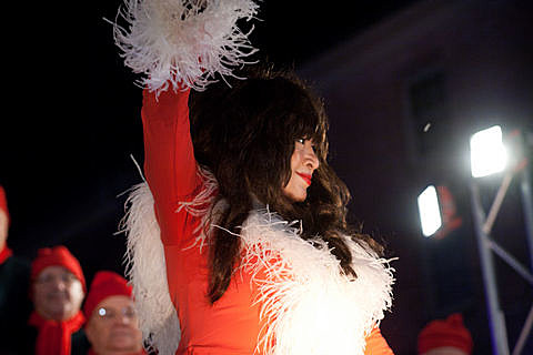 2011 South Street Seaport - Christmas Tree Lighting Ceremony with Ronnie Spector