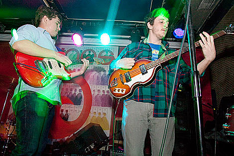 Surfer Blood Touring Nyc Tonight W Art Brut Pianos Pics