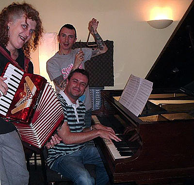 Baby Dee, Martin Watkins (piano) and Marc Almond (triangle)