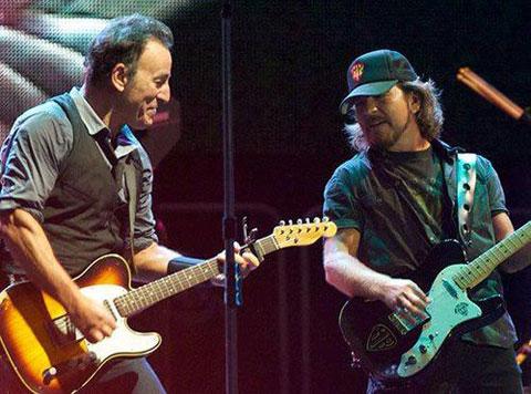 Eddie Vedder & Tom Morello joined Bruce Springsteen again
