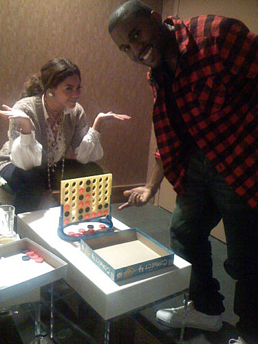 Kanye West and Beyonce playing Connect 4