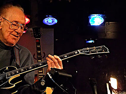 les paul performs every monday iridium jazz club. Black Bedroom Furniture Sets. Home Design Ideas