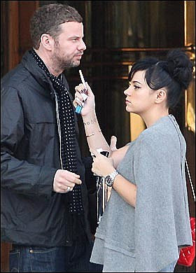 Lily Allen pregnant wi... Lily Allen Brother