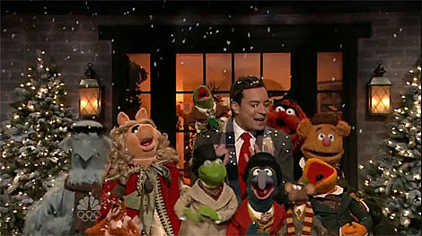 Bohemian Rhapsody & Muppets Christmas videos w/ Jimmy Fallon, The ...