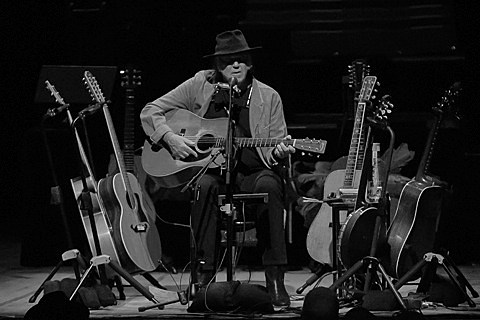 neil-young-chicago-theatre-011